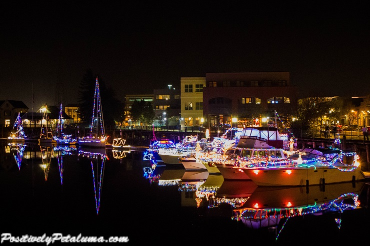 Petaluma Lighted Boat Parade-30 Resize